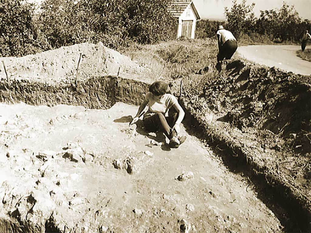 Batina - Archaeological excavations on a section of the fort (Konzervatorski odjel u Osijeku 1970)