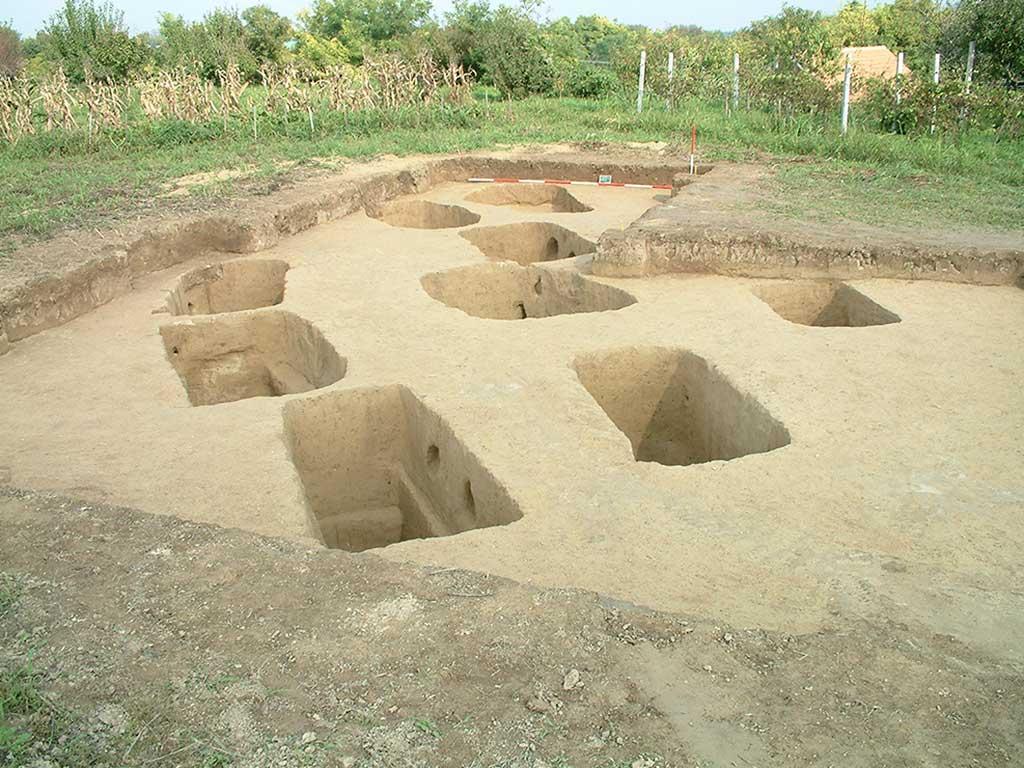 Zmajevac (Mocsolás) - Jedan od areala kasnorimske nekropole (Filipović 2005)