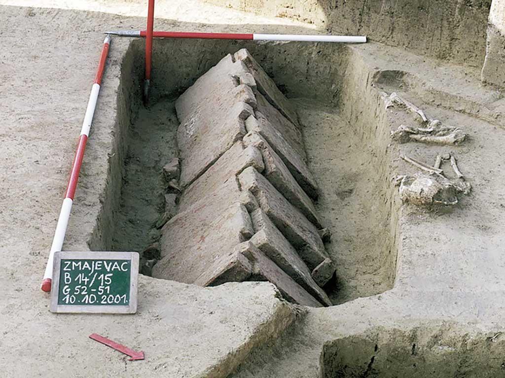 Zmajevac (Mócsolas) - Grave-52