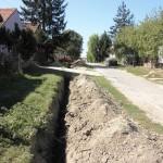 Kopačevo - Setting up pipes for gas pipeline (Vukmanić 2011)