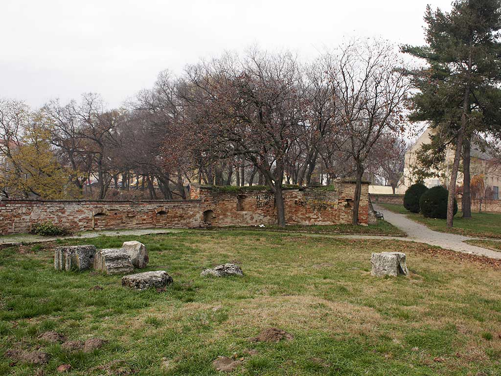 Ilok - Remains of Roman architecture (Vukmanić 2008)