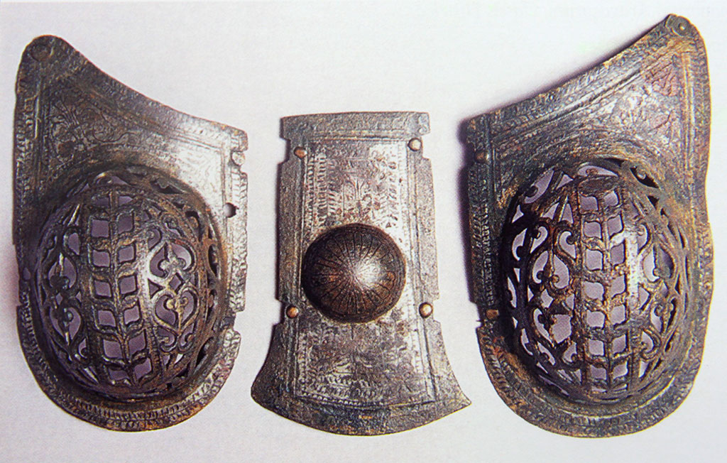 Dalj - Horse head armour plates (Arheološki muzej u Zagrebu 2008)