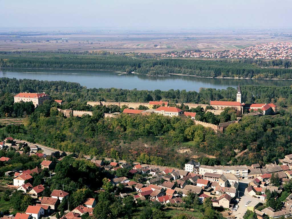 Ilok - The town of Ilok (Romulić 2007)
